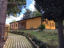 casetta legno siena image